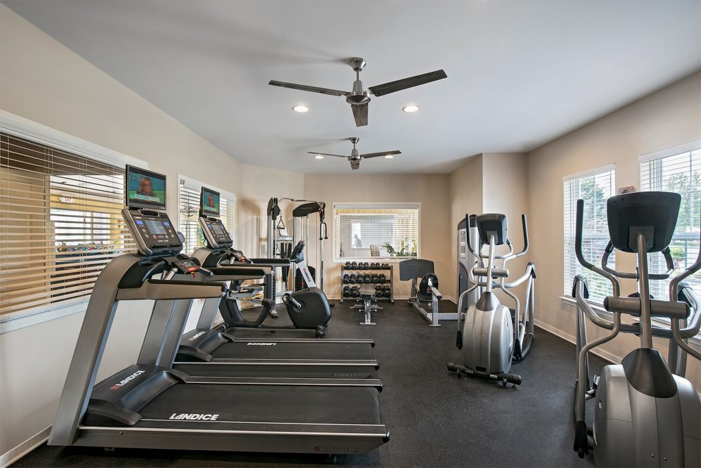 A picture of an apartment community's fitness center