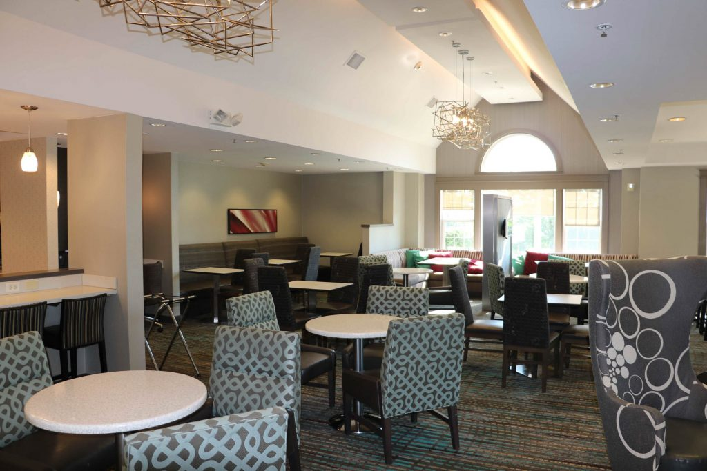 A photo of a hotel dining area
